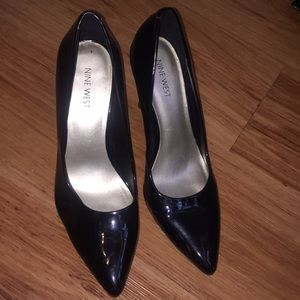 Nine West Shoes   Tacon Negro Picudo   Poshmark d801c95552